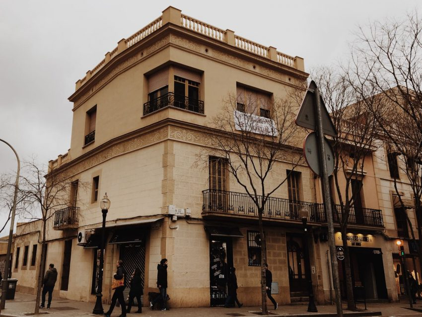 casa okupada del carrer gran de sant andreu / David García Mateu