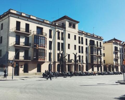 Edifici on es troba situat el local dels exlegionaris, a les Casernes de Sant Andreu / David García Mateu