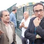 Els veïns de Sant Martí expliquen al conseller Josep Rull el projecte de l'estació / DGM