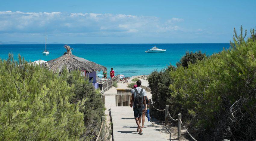 Un dels viatges pagats per les constructores hauria sigut a l'illa de Formentera / JayJay Pictures