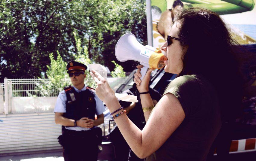 Lectura del manifest davant del local de la Hermandad de Legionarios / DGM