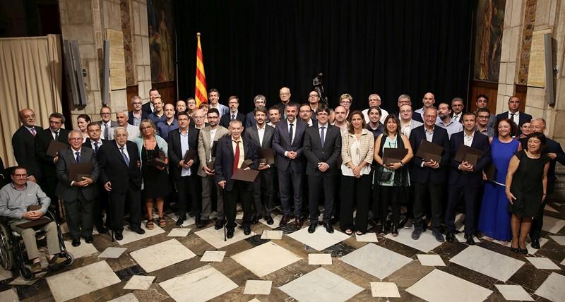 Fotografia de família amb tots els comerços premiats
