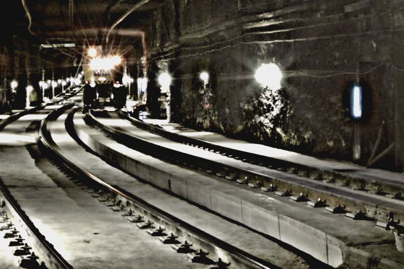 Imatge de la via renovada al seu pas per sota del riu Besòs / TMB