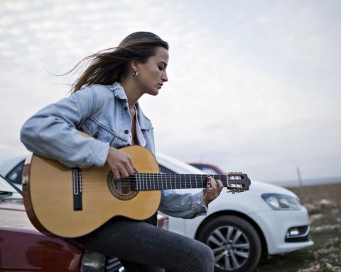 Judit Neddermann, en la gravació del videoclip / MARC IBAÑEZ