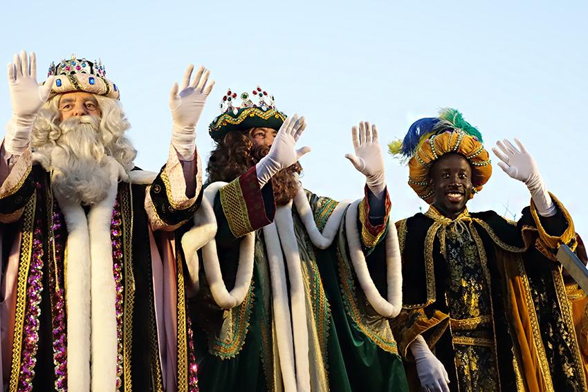 Els Reis Mags arriben a la plaça de l'Estació de Sant Andreu / DGM