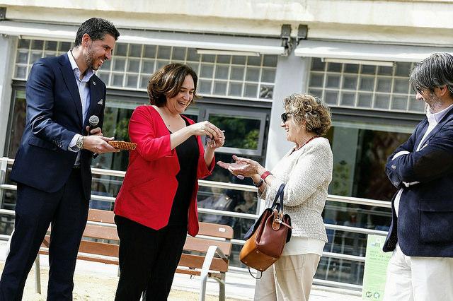 L'alcaldessa de Barcelona, Ada Colau, ha fet l'entrega de les claus aquest dimecres / AJUNTAMENT DE BCN