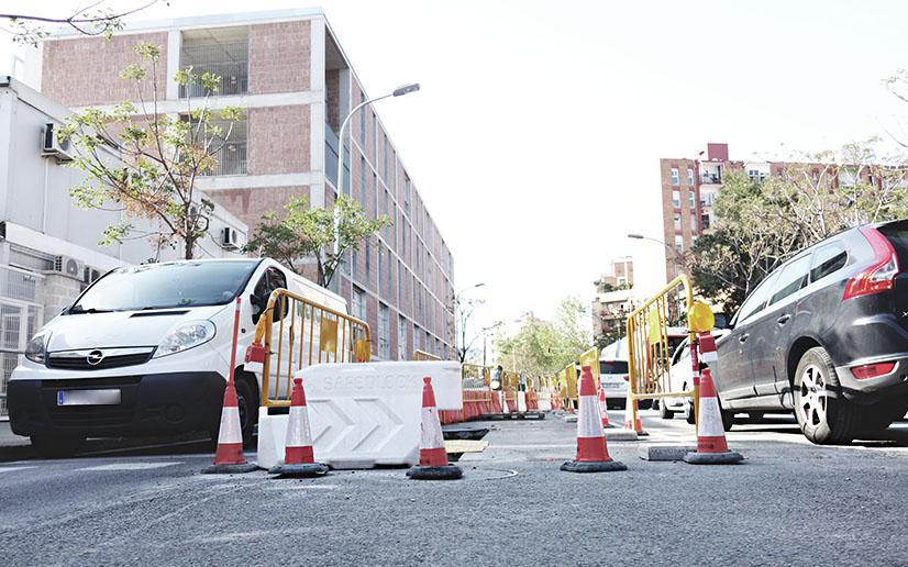 Les obres dificulten el transit pel carrer Sagrer, segons l'AV Sant Andreu Sud / DGM