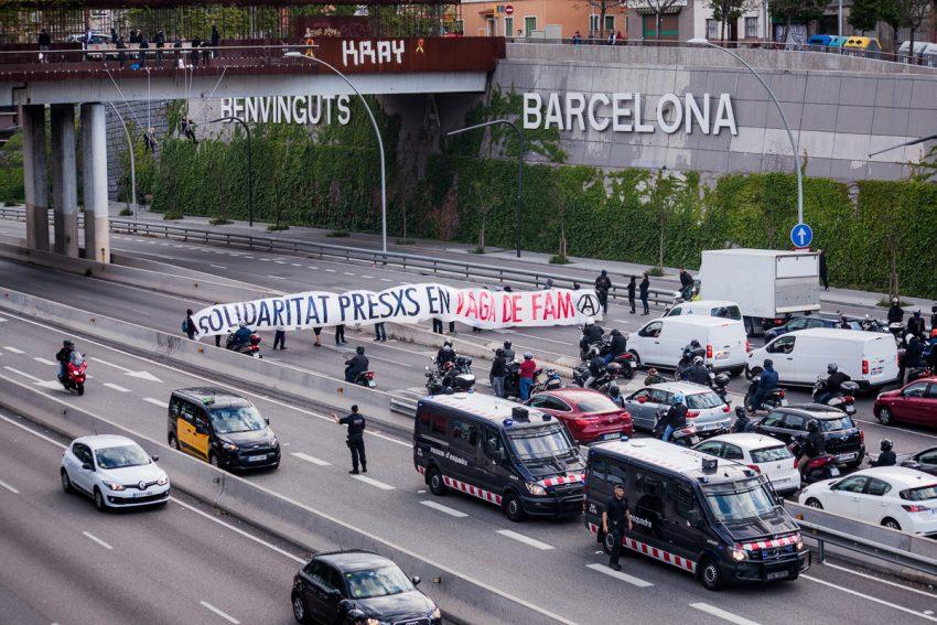 Els concentrats han col·lapsat el trànsit en una de les portes d'entrada a Barcelona