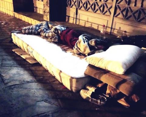Un llit d'una persona sense llar a Barcelona / DGM