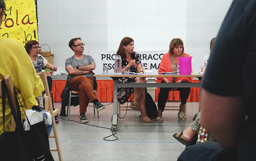 La regidora Laia Ortiz, a la trobada amb les famílies / DGM