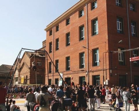 Dia de la inauguració de l'Ateneu Harmonia / ATENEU HARMONIA