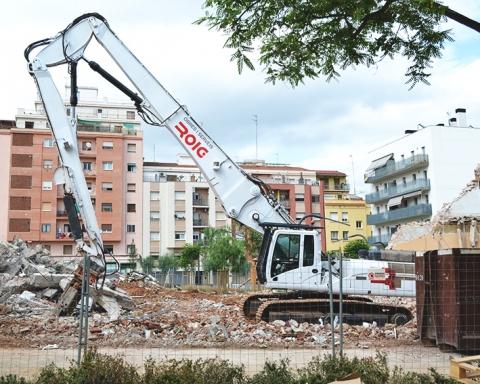 La piqueta s'emporta per davant l'edifici del castellano-leonés / DGM