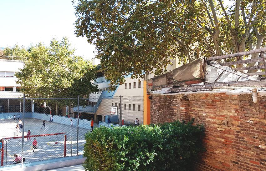 Mur escola mestre gibert expres de sant andreu