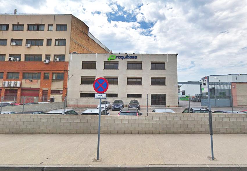 La nau industrial de Proquibasa, situada al número 47 de la Via Trajana / GOOGLE MAPS