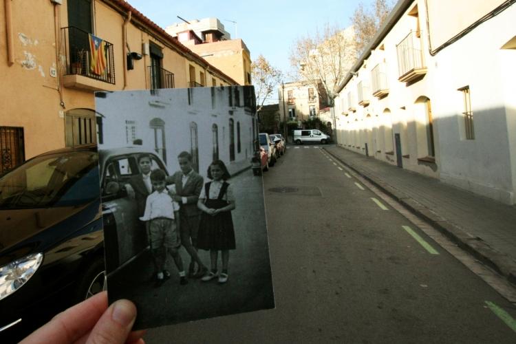 Taxi-i-nens-de-la-família-Téllez-al-carrer-Bascònia-a-mitjan-anys-50.-Autor-desconegut.-FonsJordi-Rabassa-Massons.-750x500.jpg