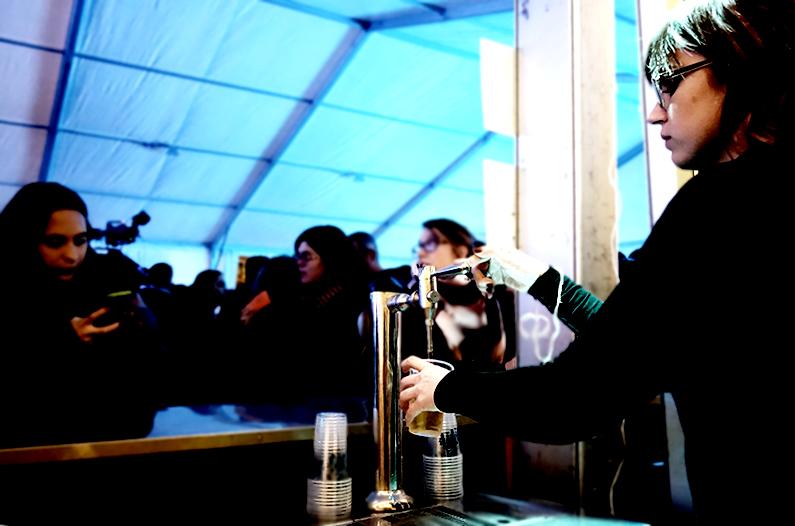 1Festa-Major-Barra-cerveza.-Editada.-David-García-Mateu.jpg