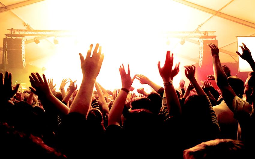 1Festa-Major-brazos-concierto.-Editada.-David-García-Mateu.jpg