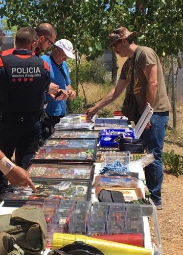 Agents-dels-Mossos-dEsquadra-interessats-pels-productes-DGM-2-358x500.jpg