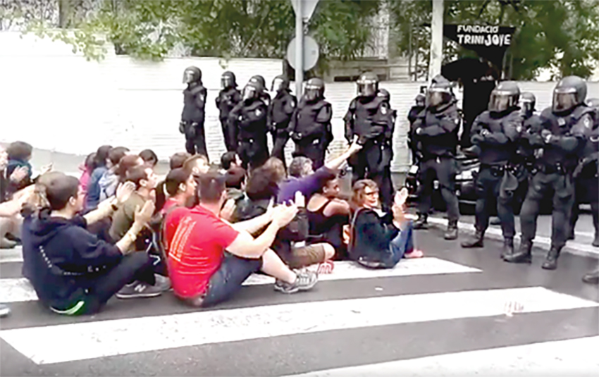 carrega policial trinitat vella ARXIU