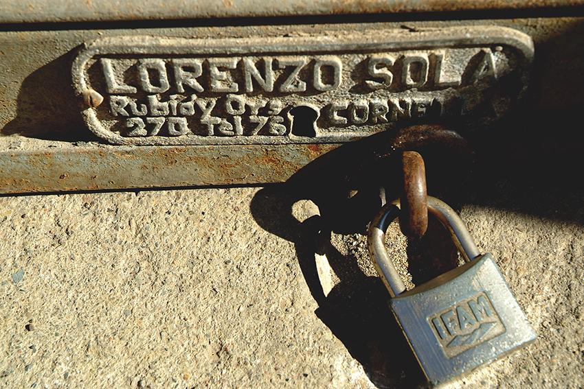 Els lladres van poder obrir la persiana amb una clau mestra / RICARD GIL - FLICKR