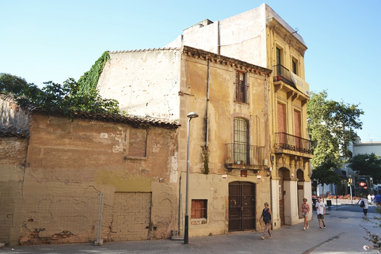 Cases-del-carrer-del-Pont-Expres-Sant-Andreu-DGM-750x500.jpg